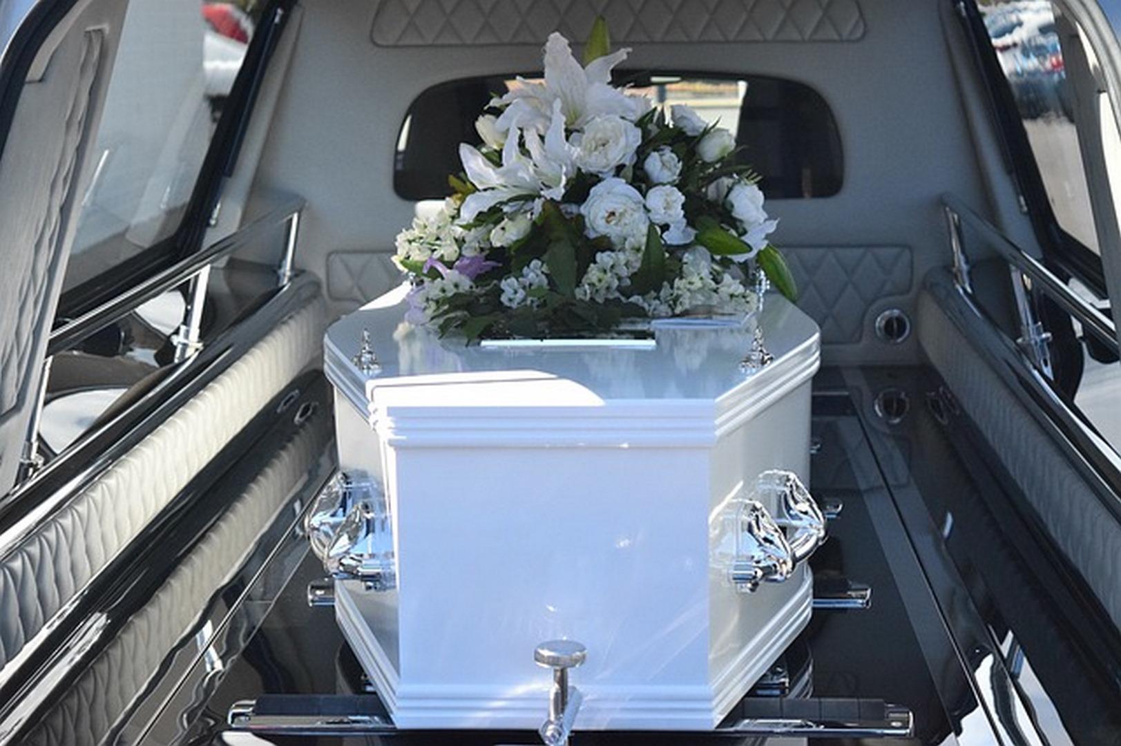 Jak wygląda transport zmarłych z zagranicy?